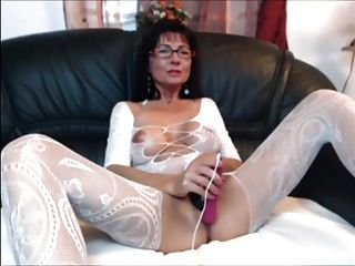 Brunette  milf sexy stockings sm65