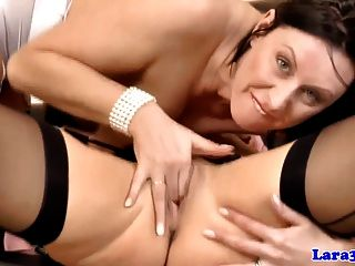 Mature Lesbian Getting Pussylicked By British Milf