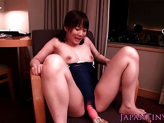 Tiny Japanese Babe In Leotard Squirts When Toy Teased