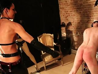 Slave penetrated by mistress and her window dummy 4