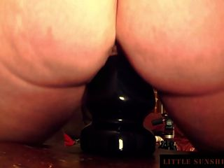 Absolut Pussy Stretching With Huge Plug Little Sunshine Milf
