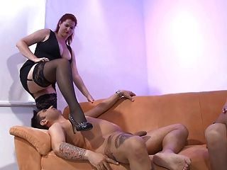 Free facesitting ffm porn video — 13