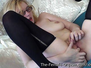 Pure Finger Rubbing Masturbating Coed With Nice Tits