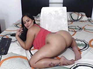 Sexy Colombian Latina Perfect Nice Ass!