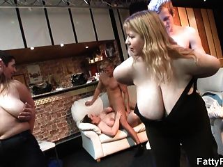 He Bangs Plumper At Bbw Party