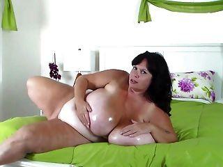 Bbw Milf Oils Her Huge Tits