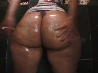 Ruby Big Oiled Ass In The Shower