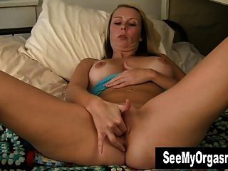 American milf katrina needs to get off in nylon 5