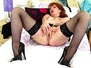 Mature Sexy Mother With Wet Thirsty Vagina