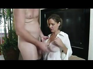 Giving Mom The Fuck She Wanted !