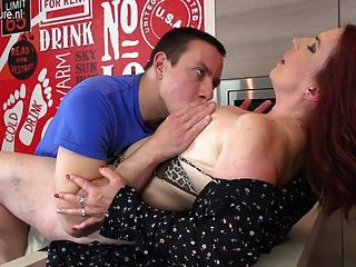 was bootylicious pornstar sucks cock in pov can not