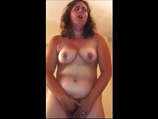 Chubby Wife Gets Off Standing