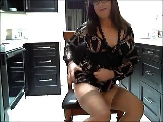 Hot Cd Rubbing Her Clit And Cumming