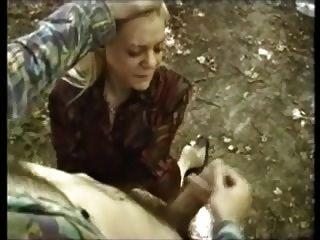 Maman cougar grave defoncee dans un plan a 3 dans la nature - 3 part 7