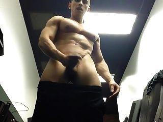 Str8 Guy Stroke In The Gym