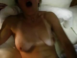 Hottie Fucks Herself Hard And Fast