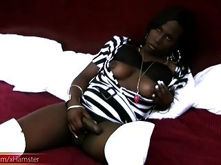 Seductive Ebony T-babe We Picked Up In The Streets Jerks Off