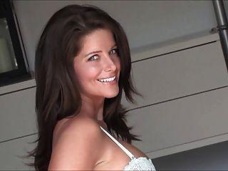 Sexy Milf Jessica Zelinske Bedroom Photoshoot