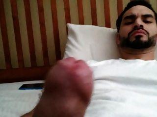 Str8 Arab Jerk In His Bed