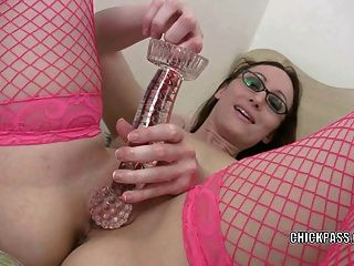 Cute Coed Crystal Clark Uses A Toy To Fuck Her Hot Pussy
