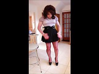 Mini Skirt Flirt