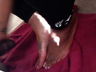 Handjob And Pretty Feet