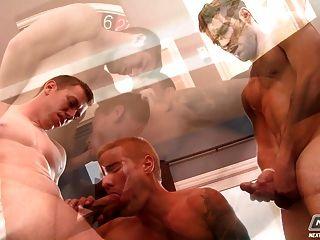 Gorgeous tranny porn