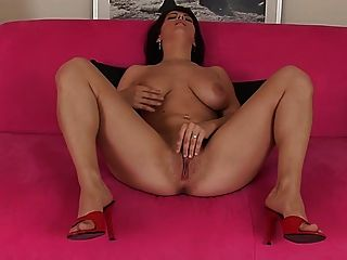 Raven Haired Eu Beauty Ploughs Bald Slit With Glass Cock