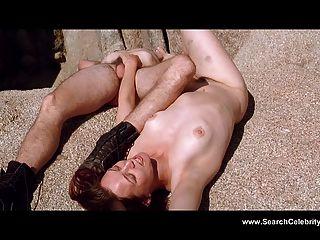 Yekaterina Golubeva Nude - Twentynine Palms (2003)