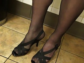 Sexy Feelin Crossdress In Public