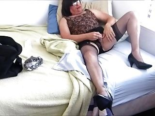 Flirty Skirt And Nylons Lead To A Naughty Bobbie