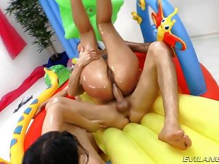Oiled Babes In Anal Gonzo Action Fouresome