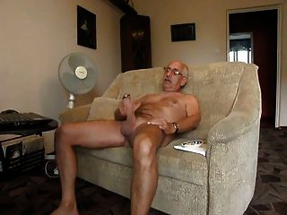 Str8 Grampa Wank On Couch