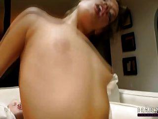 Porn cunt rubbing