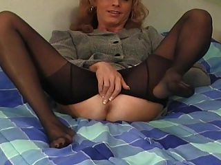 Crossdresser pantyhose anal